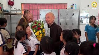 Hòa Thượng Chủ Tịch GHPGVN về thăm trung tâm Phật Quang