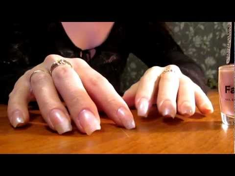 olala3 and her long natural fingernails (video 2)