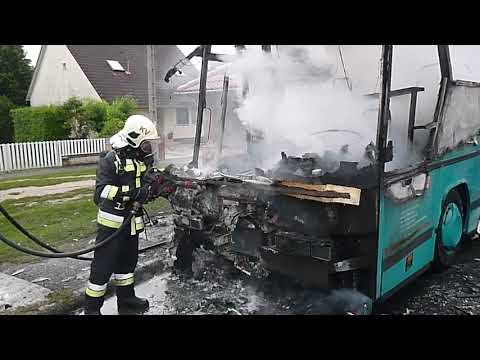 Kiégett autóbusz