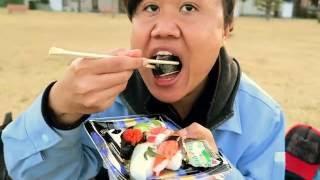 Video Makan sushi dipinggir laut mukbang#1 MP3, 3GP, MP4, WEBM, AVI, FLV Januari 2019