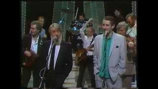 Video The Irish Rover - The Pogues & The Dubliners MP3, 3GP, MP4, WEBM, AVI, FLV Desember 2018