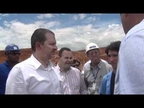 Eduardo Campos visita obras em Joaquim Nabuco