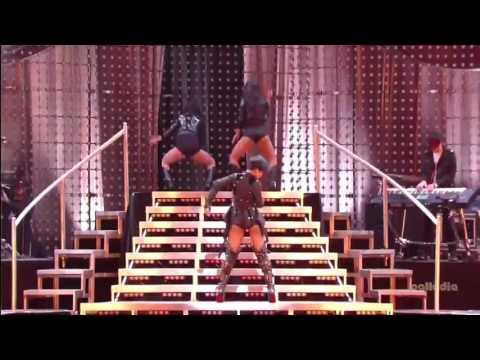 Rihanna - Disturbia & Breakin' Dishes (Pepsi Smash Super Bowl Bash 2009)
