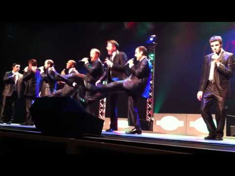 Straight No Chaser - Christmas Can-Can (12/23/2010)
