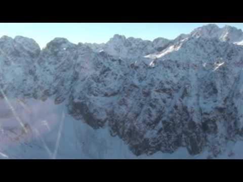 VIDEO: Záchranná akcia v ľadových dolinkách