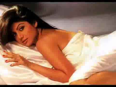 New bollywood scandal Shilpa Shetty's Nip Slip Uncensored