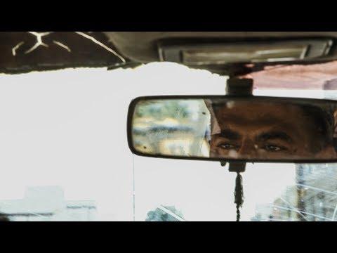 كلاندو سيدي حسين: سائق سيارة أجرة لا يتحرك سوى في الاتجاه الممنوع