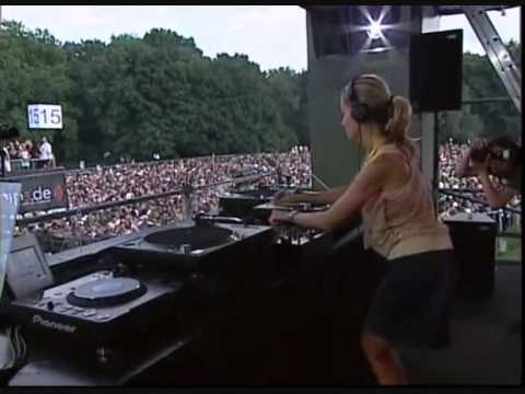 Berlin 2006: Loveparade 2006 - Opening and Live Set ...