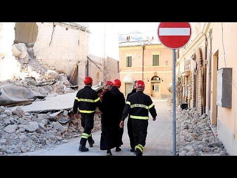 Ιταλία: Ο σεισμός έβγαλε περίπου 15.000 από τα σπίτια τους – world
