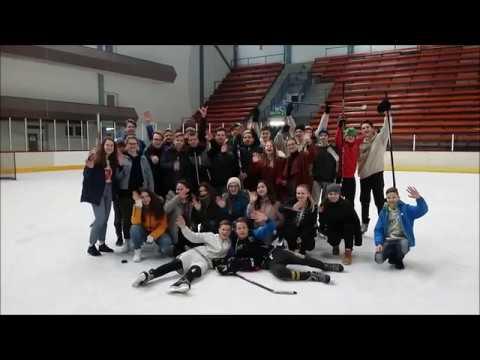 Hokejový zápas IX. B proti IX. A