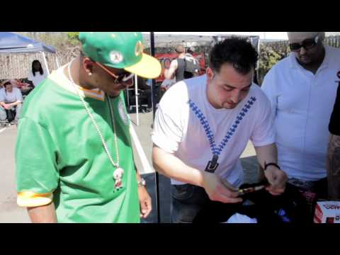 Splitarillo - WATCH THE TRENDSETTAH'S HIT THE BAY AREA STREETS ON 420 & PASS OUT PROMOTION GEAR.