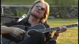Aint No Sunshine  <b>Daryl Hall</b> With Finger Eleven