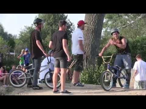 TVS: Strážnice - nadšenci vybudovali v bikeparku foampit