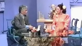 Download Lagu MARIFÉ DE TRIANA - QUEDATE CON LA COPLA ( Entrevista Quedate con la copla 1992 ) Mp3
