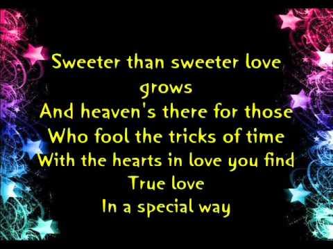 Donny Hathaway ft Roberta Flack - The Closer I Get To You (LYRICS)
