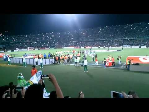 Atletico Nacional Vs Sporting Cristal de Peru  Asi se Vive La Pasion del Futbol - Los del Sur - Atlético Nacional