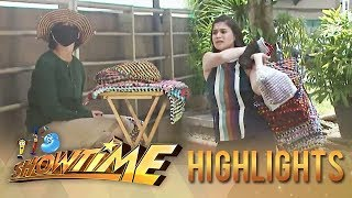 Video It's Showtime Lenten Special: Anne Curtis becomes a vendor for a day MP3, 3GP, MP4, WEBM, AVI, FLV September 2018