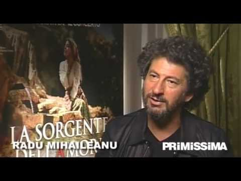 Radu Mihaileanu - http://www.primissima.it - Videointervista al regista Radu Mihaileanu per il film La sorgente dell'amore, in sala dal 9 Marzo 2012 distribuito da BIM. A cura...