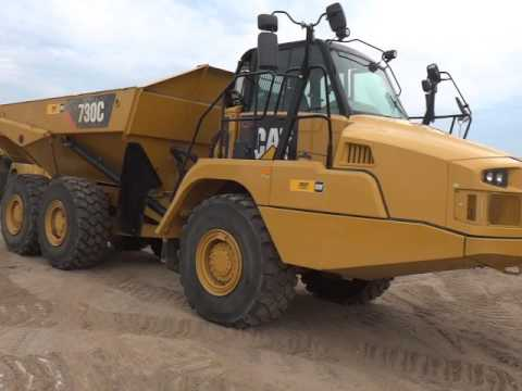 CATERPILLAR KNICKGELENKTE MULDENKIPPER 730C equipment video cdryYf-RM98