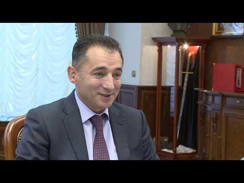 Президент страны провел рабочую встречу с Послом Азербайджанской Республики