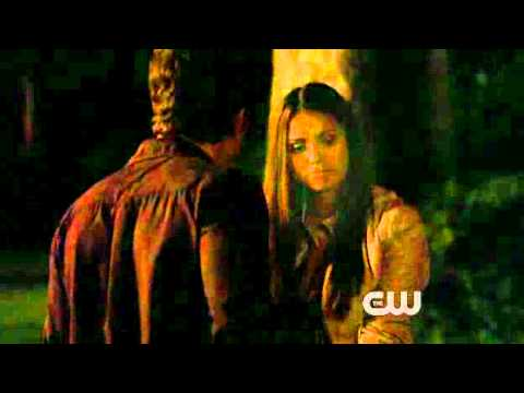 The Vampire Diaries Season1 Episode2 - Night of the comet - Stefan and Elenas first kiss