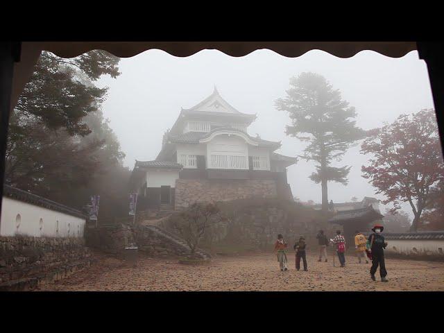 備中松山城をガイドと歩く