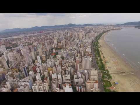 Praia do Gonzaga de dia em 4k Dji Phantom 3 Pro - São Paulo Brasil