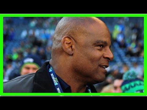 Warren moon takes leave of absence from seahawks radio broadcasts