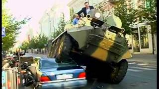 Video Walikota Lindas Mobil yang Parkir Liar Pakai Tank MP3, 3GP, MP4, WEBM, AVI, FLV Februari 2018