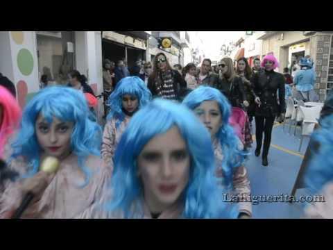 lunes de disfraces en Isla Cristina