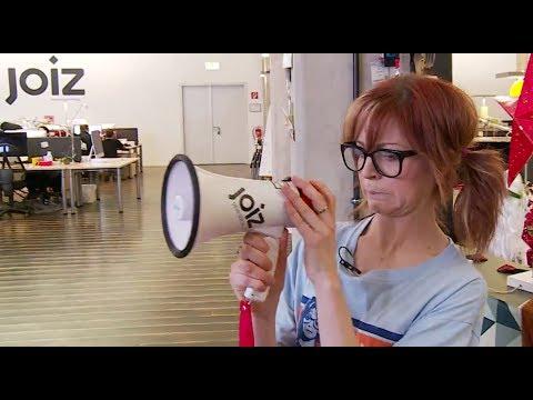 Lindsey Stirling #1 fan Phelba crashes TV show!