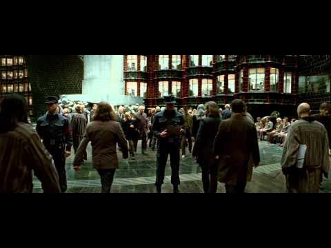 Harry Potter y las Reliquias de la Muerte - Parte 1 - Primer Trailer - Subtitulado - HD