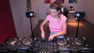 Download Lagu Juicy M mixing on 4 CDJs vol  4 Mp3