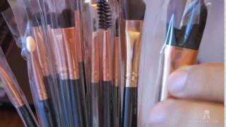 Профессиональный набор кистей для макияжа из 15 кистей Цена 310 гривен Акция без предоплаты - http://milaza.com/Nabor-kistey-dlya-makiyazha-15-kistey-s