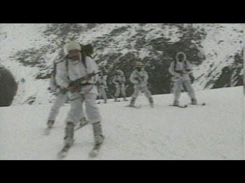 الانهيار الثلجي في باكستان يطمر 135 شخصا من بينهم 124 جنديا - فيديو
