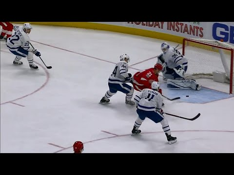 Video: Zetterberg and Tatar connect to extend Red Wings' lead