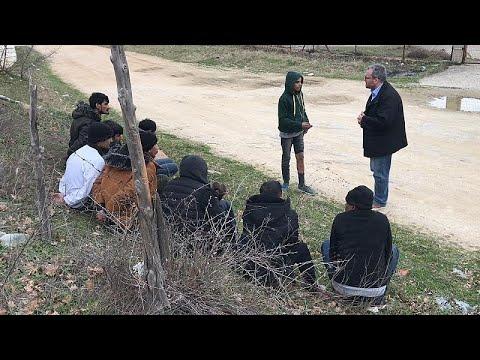 Αποκλειστικό: Συλλήψεις μεταναστών στον Έβρο στην κάμερα του euronews…