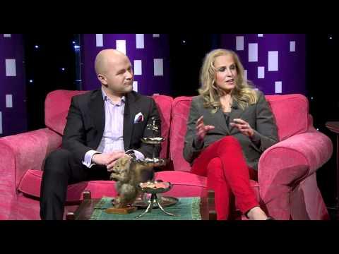 Tuomas Enbuske Talk Show - Jakso 30 - Vieraana Joanna Kuvaja ja Jussi Halli tekijä: tvviisi