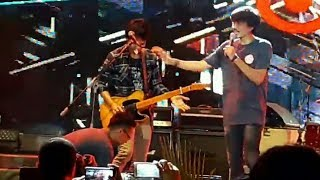 Video Kocak! insiden Gitarnya Eross error | Sheila on7 - Pria Kesepian | At Jakarta fair 2017 MP3, 3GP, MP4, WEBM, AVI, FLV November 2018