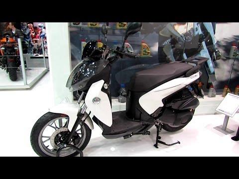 2014 Benelli Macis 150 Scooter Walkaround - 2013 EICMA Milano Motorcycle Exhibition