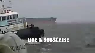 Video Jangan dilihat kalau takut !!! Kapal Tug Boat Dihajar Gelombang !!! MP3, 3GP, MP4, WEBM, AVI, FLV Desember 2018