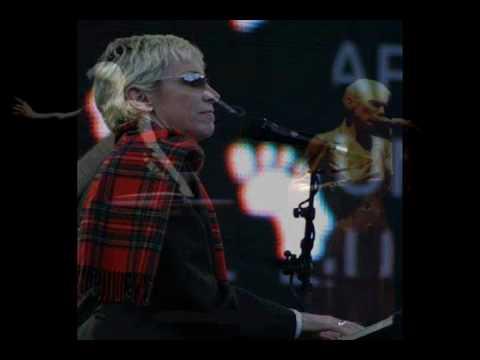 Tekst piosenki Annie Lennox - The Hurting Time po polsku