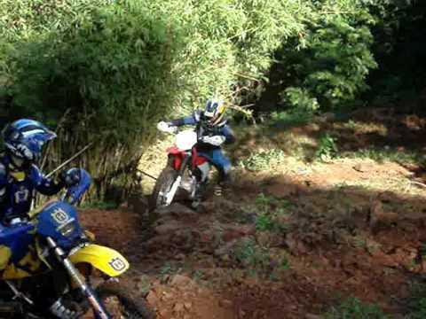 Tentando fazer trilha em Monte Belo do Sul