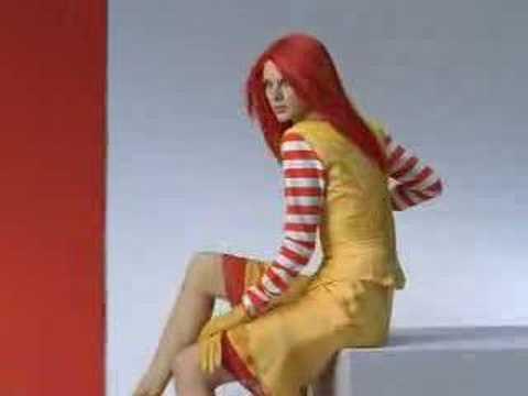 什麼!麥當勞叔叔竟然退休,換成麥當勞姊姊了!!