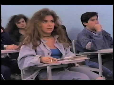 Con Los Ojos Cerrados - Gloria Trevi (Video)