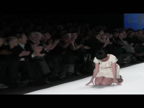 Models Slips Twice - Fashion models go bottoms-up. CNN's Jeanne Moos reports on the best falls ever.