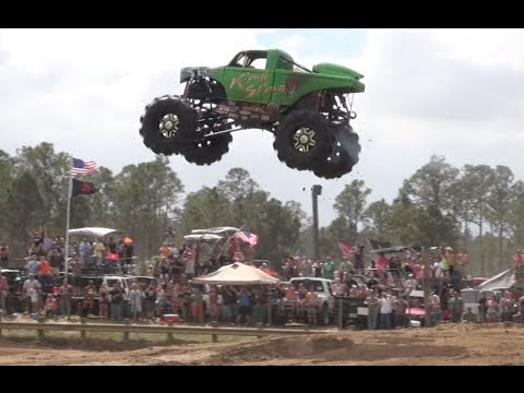 Redneck Yacht Club Mud Park, Truck Races. Part 1