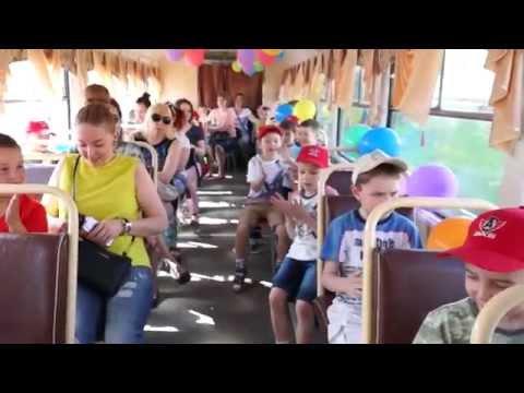 """""""Это же Симаков!!!"""" - воспитанники ДЮСШ """"Автомобилист"""" прокатились по городу на трамвае"""