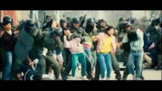 Nonton girls against riot police (fight scene from