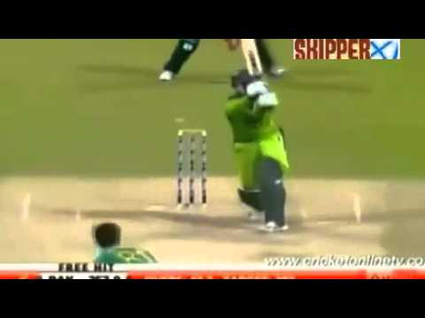 Abdul Razzaq 109* off 72 (10 Sixes & 7 Fours)